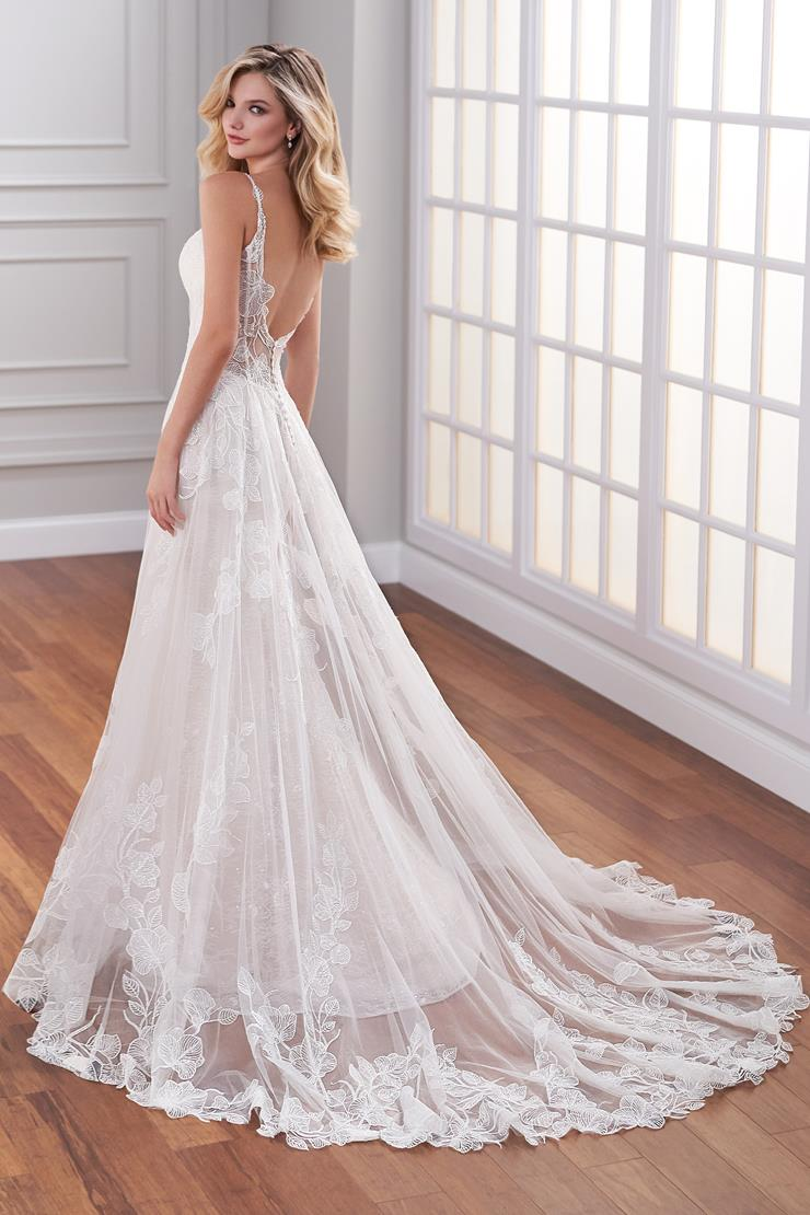 Amelie Dreamy fit and flare underskirt with tulle A-line overlay covered in floral applique