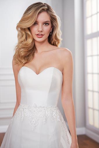 Harbine Sleek trumpet wedding dress with detachable tulle A-line skirt