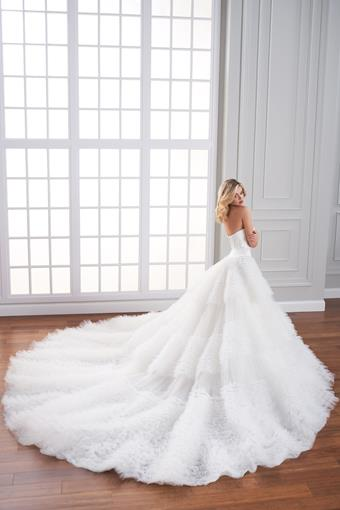 Fontaine Ball gown with textured tulle and organza skirt and sleek silk bodice