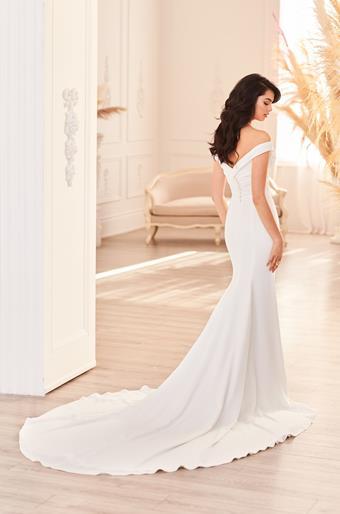 Paloma Blanca Style #4955