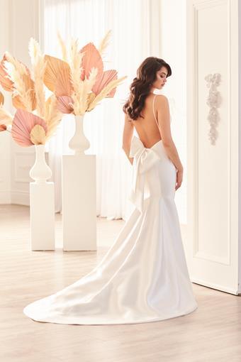 Paloma Blanca Style #4960