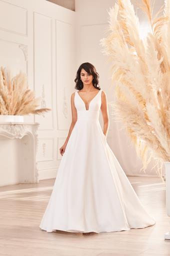Paloma Blanca Style #4962