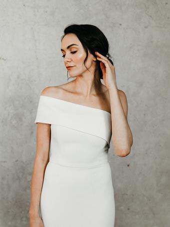 Alyssa Kristin Style Scarlet
