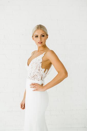 Alyssa Kristin Style Rose
