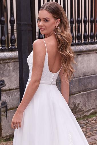 Adore by Justin Alexander Style no. 11169