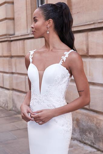 Adore by Justin Alexander Style no. 11174