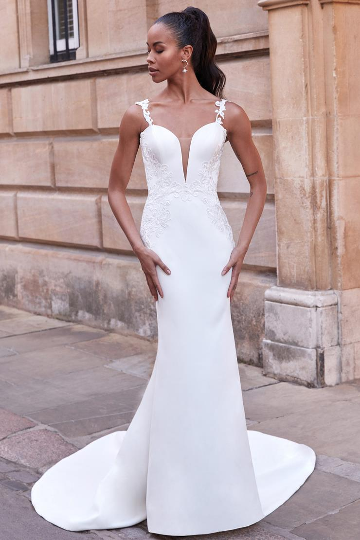 Adore by Justin Alexander Style #11174