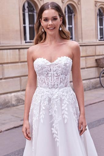 Adore by Justin Alexander Style no. 11181