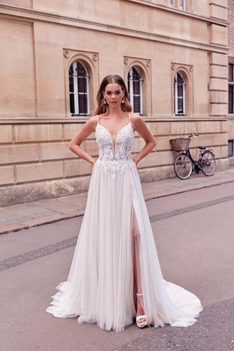 Adore by Justin Alexander Style #11185