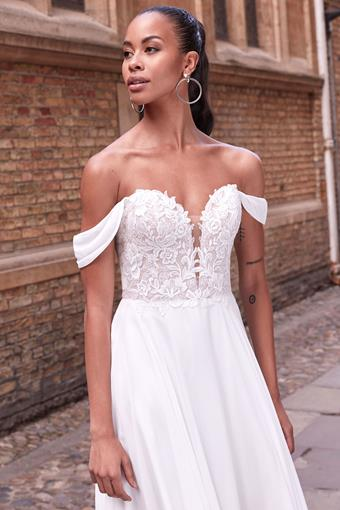 Adore by Justin Alexander Style #11189