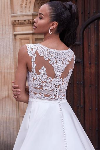 Adore by Justin Alexander Style No. 11192