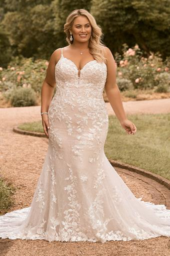 Plus Size Fit and Flare Lace Wedding Dress Valentina