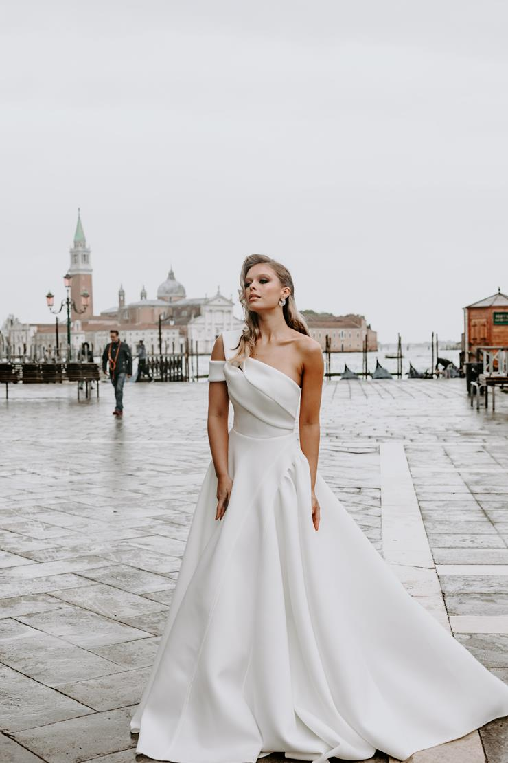 Georgia Young Couture Style #Capri Image
