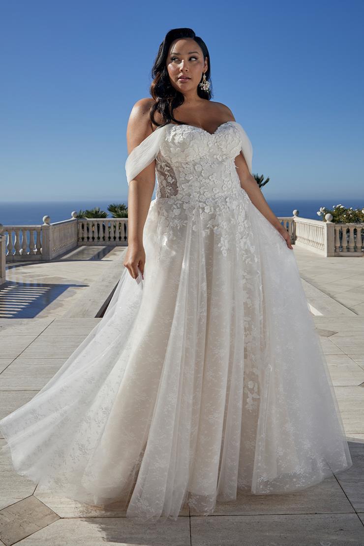 Casablanca Bridal Mae