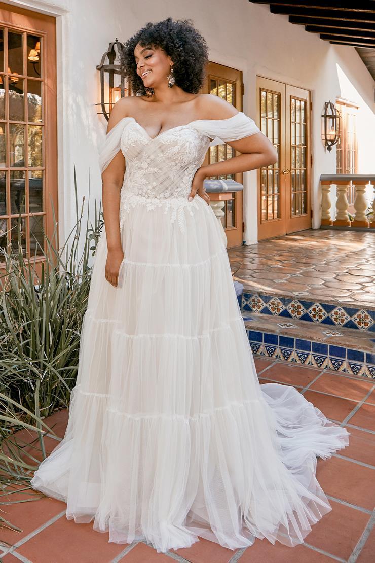 Beloved by Casablanca Bridal Cameron
