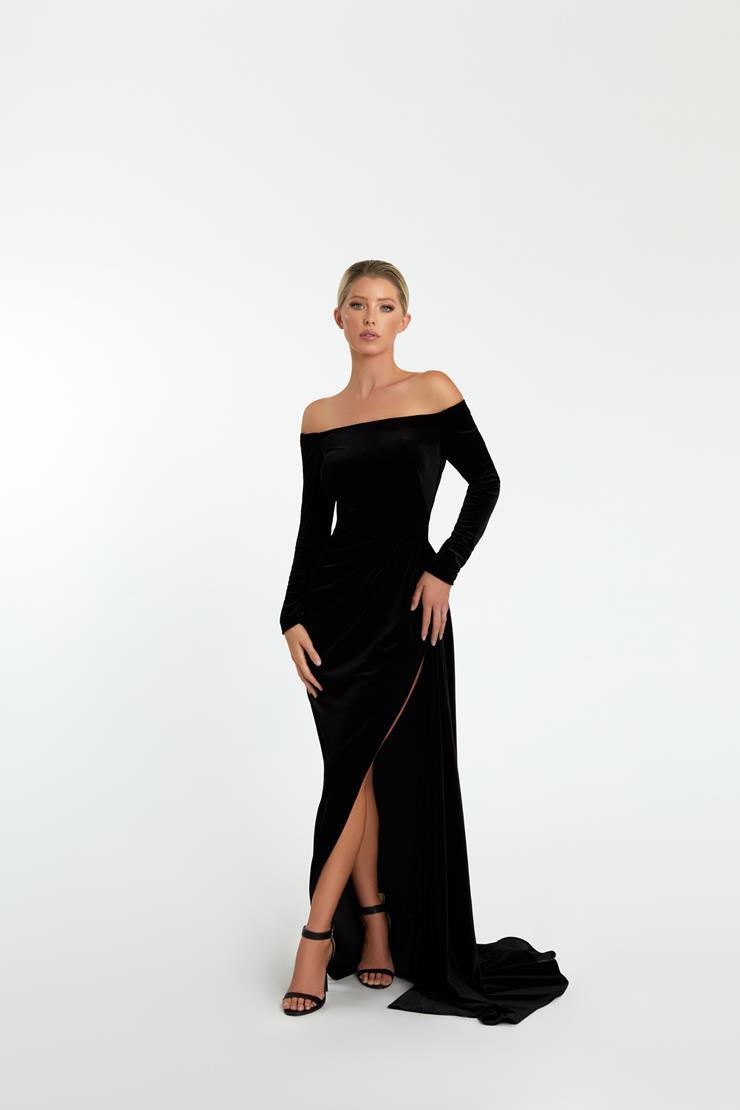 Nicole Bakti Style #7042