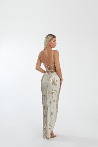 Nicole Bakti Style #7058