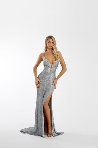 Nicole Bakti Style #7061
