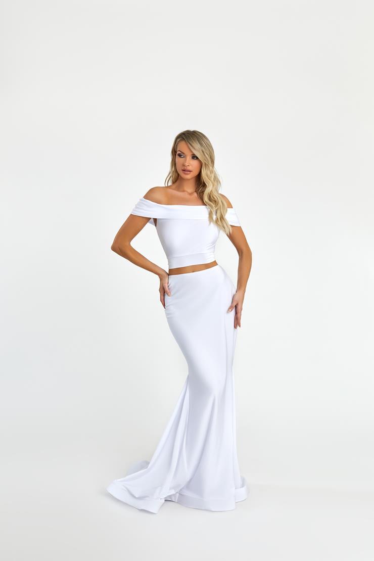 Nicole Bakti Style #7075 Image