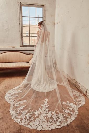 L'Amour by Calla Blanche Style #LA21231