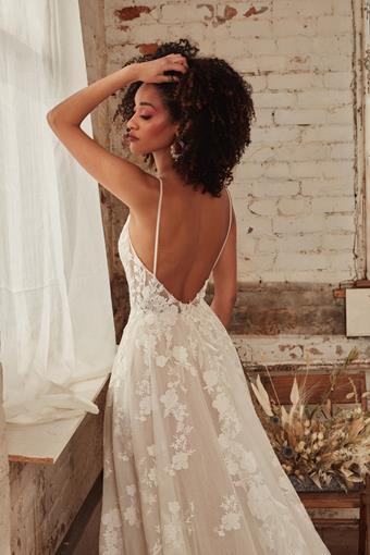 L'Amour by Calla Blanche Style No. LA21234