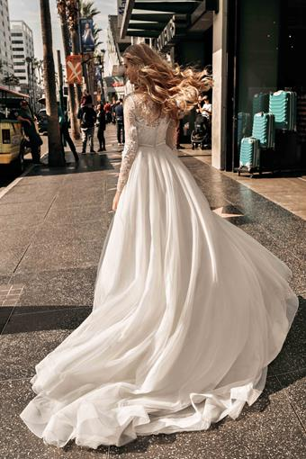 Elly Bride Style no. Courtney