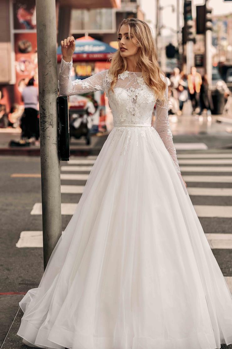 Elly Bride Style no. Courtney Image