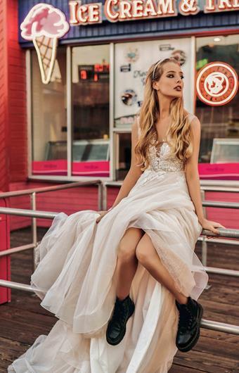 Elly Bride Style no. Julianne