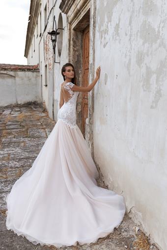 Ari Villoso Style #Emma