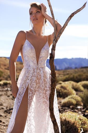 Ari Villoso Style #Zara