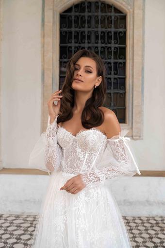 Ari Villoso Style #AV Abby