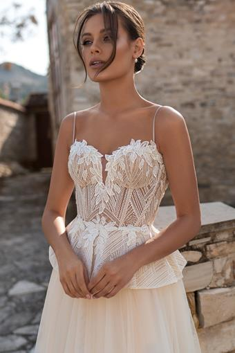 Ari Villoso Style #AV Angelica