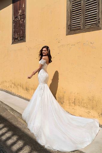 Ari Villoso Style #AV Irene