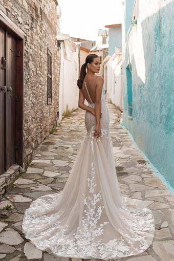 Ari Villoso Style #AV Sheryl