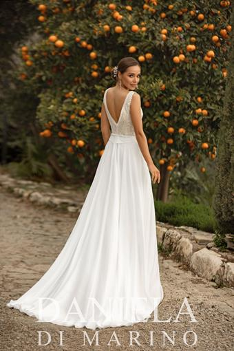 Daniela Di Marino Style #6345