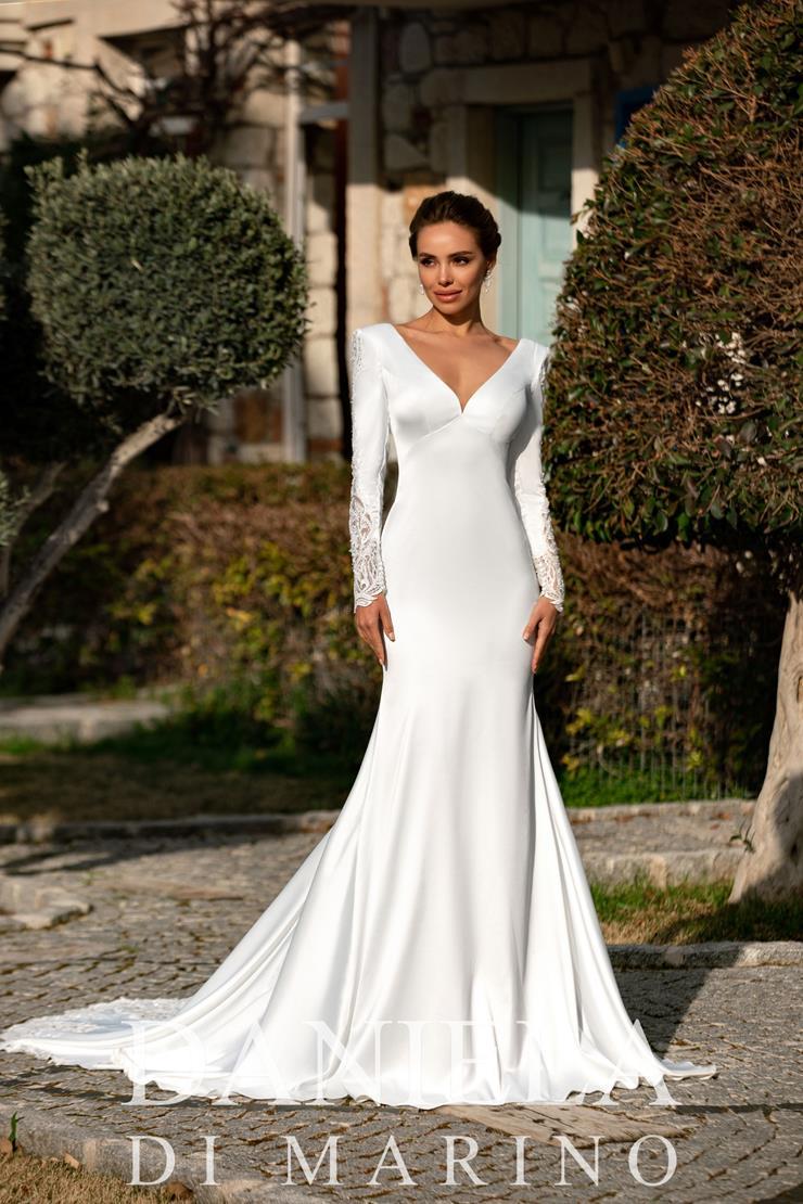 Daniela Di Marino Style #6352