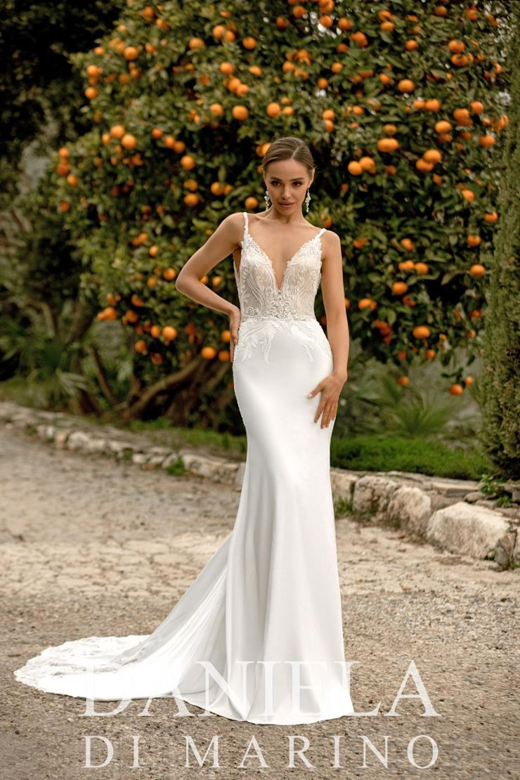 Daniela Di Marino Style #6353