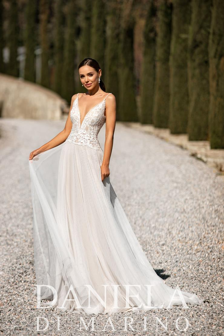 Daniela Di Marino Style #6359