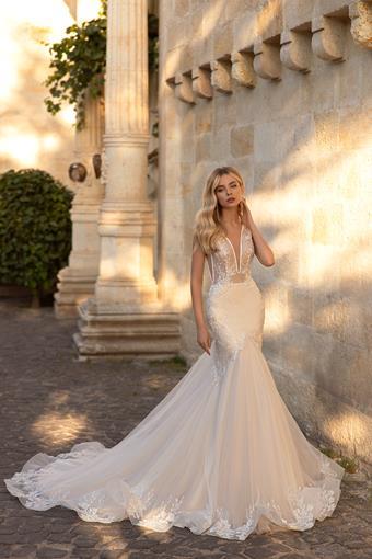 Elly Bride #Stephanie