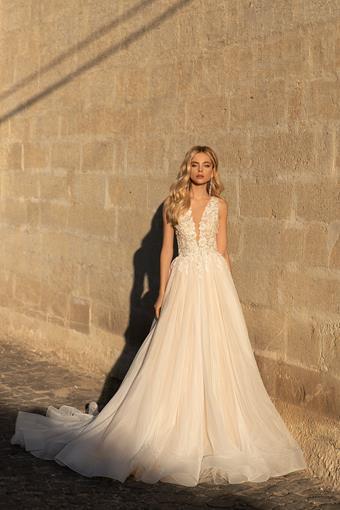 Elly Bride #Valerie