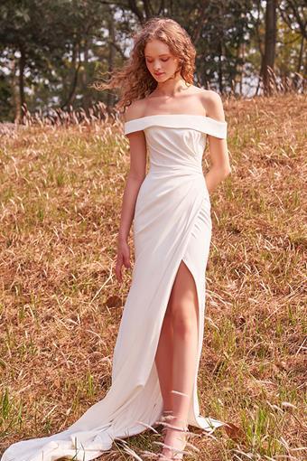 La Premiere x Idan Cohen Style Camellia