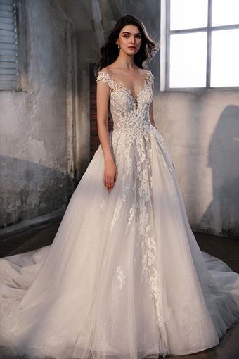 La Premiere Couture Style Aurora