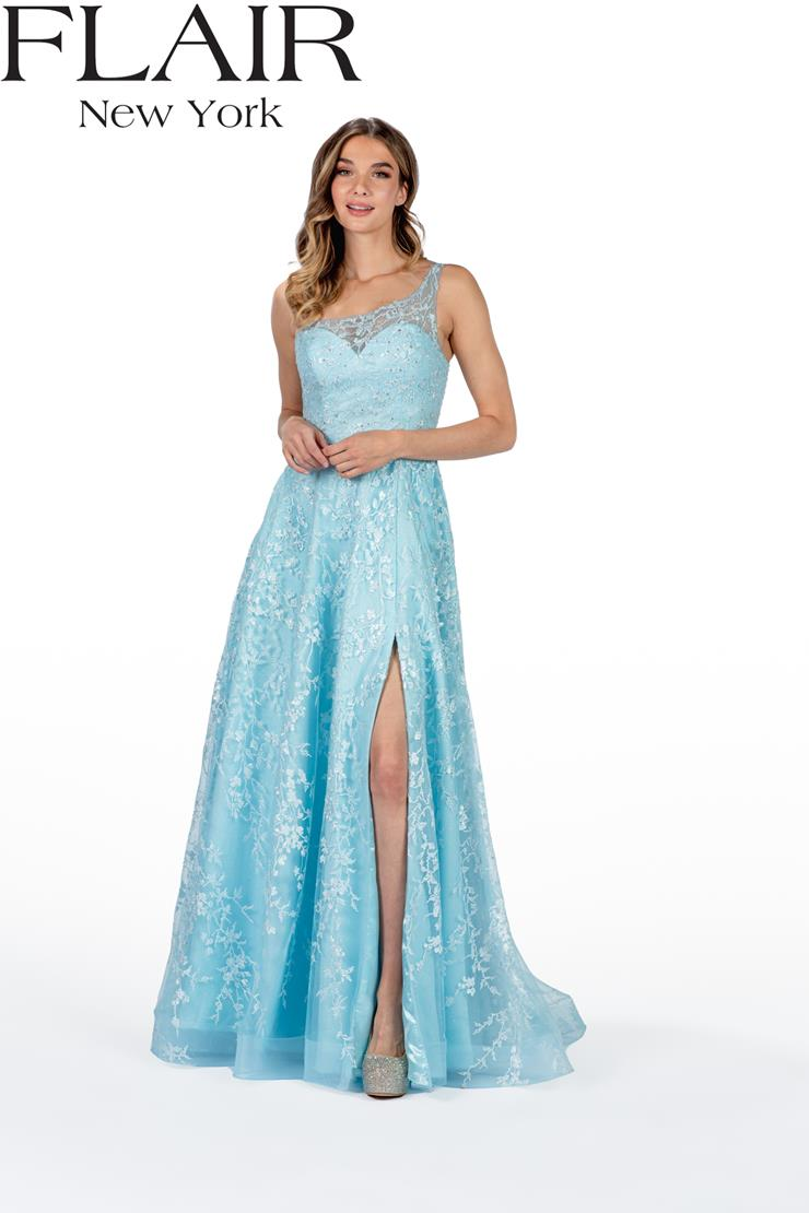 Flair Prom Style: 22402 Image