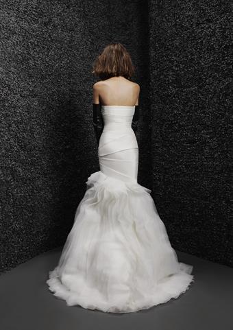 Vera Wang Bride Gizele