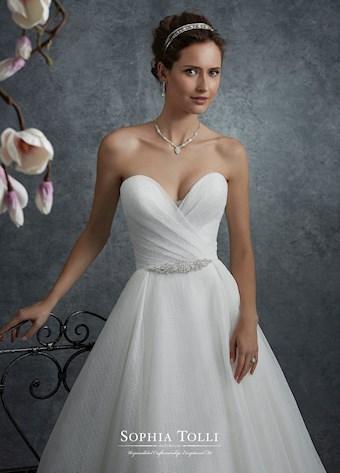 Sophia Tolli Y21761