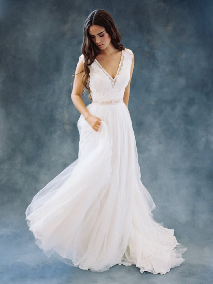 Allure Wilderly Bride F106