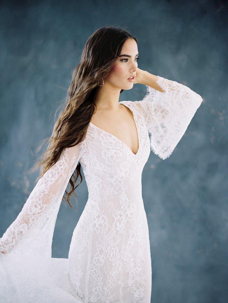 Allure Wilderly Bride F108