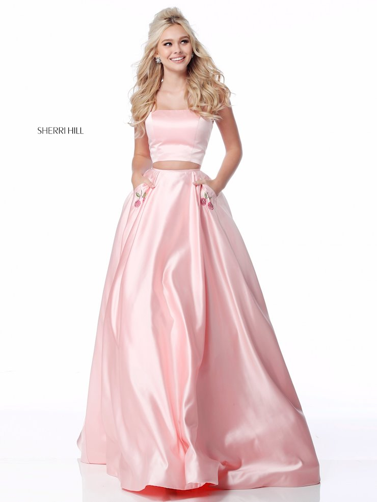 Henri's Prom Dress store in Columbus and