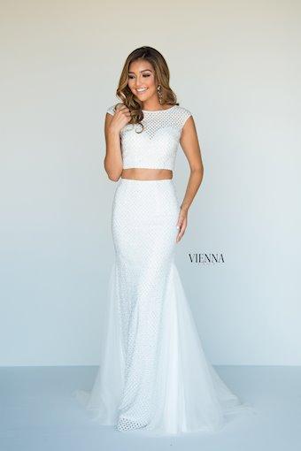 Vienna Prom 8901
