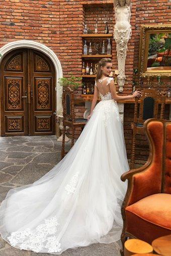 Eva Lendel Style Anna